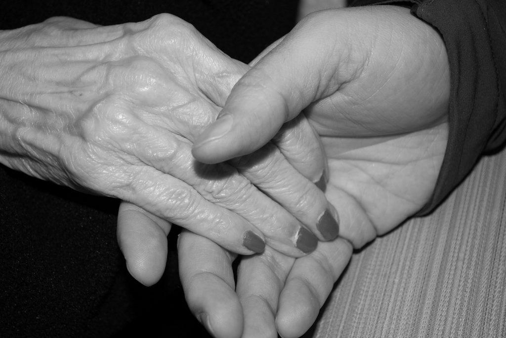 hands-578917_1920
